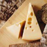 「チーズ」はフランス語で言うと?fromageの意味とチーズに関するフランス語