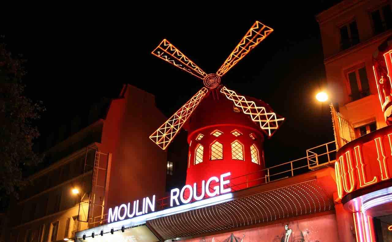 パリのムーラン・ルージュ