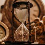「未来」「今(現在)」「過去」はフランス語で?avenirやfuturの意味と読み方